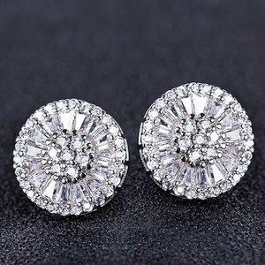 Jewelry - Luxe Starburst Diamond Stud Earrings